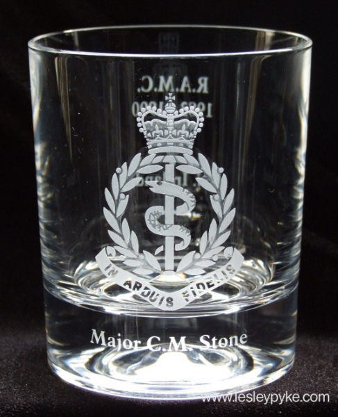 engraved-glass-coat-of-arms-5