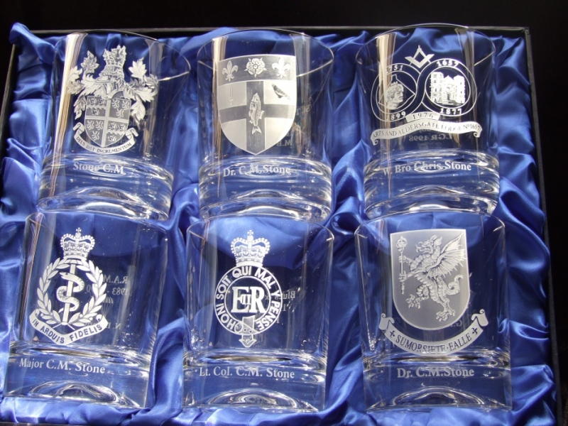engraved-glass-coat-of-arms-set