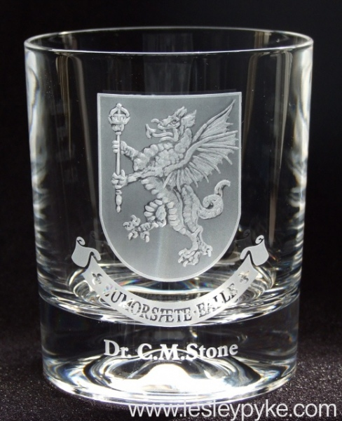 engraved-glass-coat-of-arms7