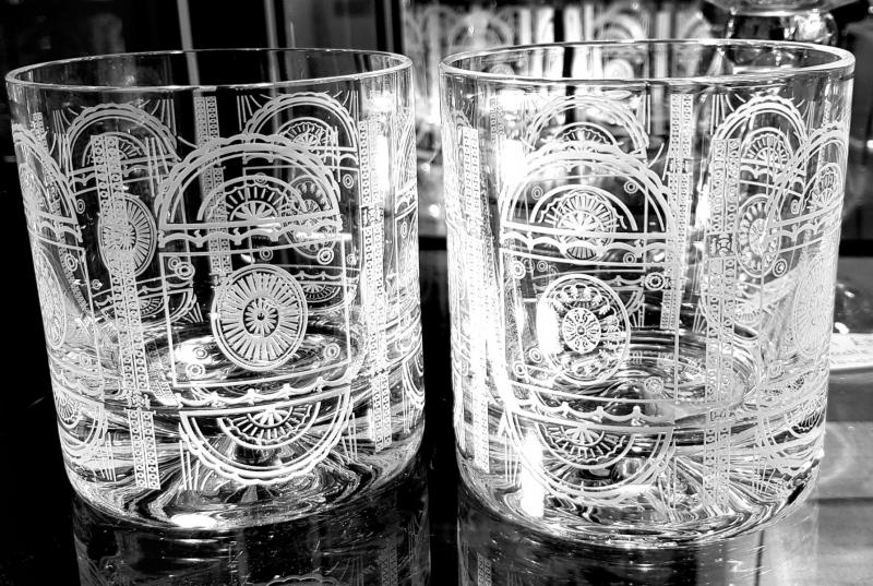 Decorative glasses, ceiling freize